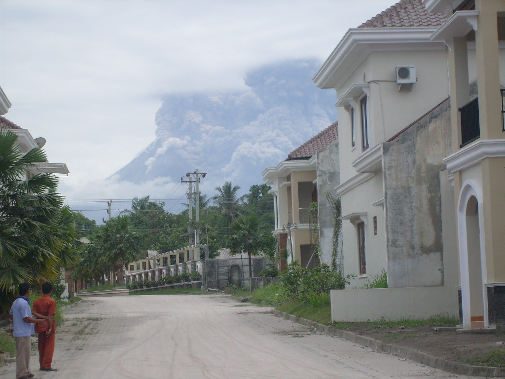 Volcan Merapi en éruption